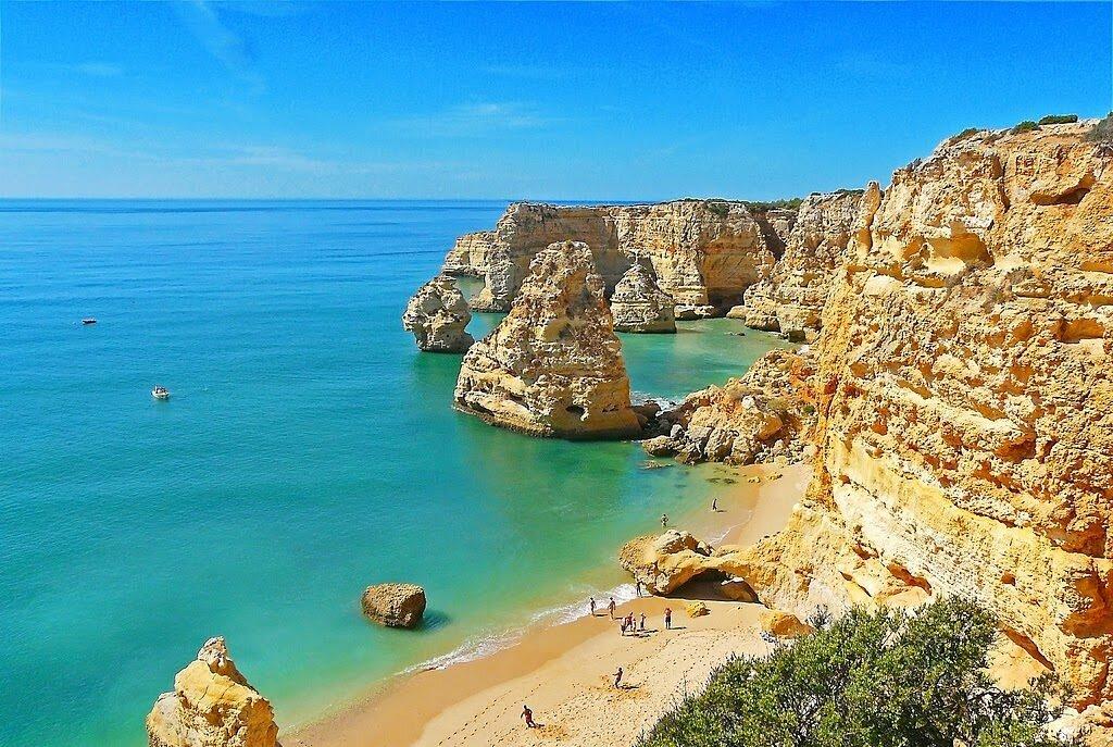 Пляж Маринья Португалия