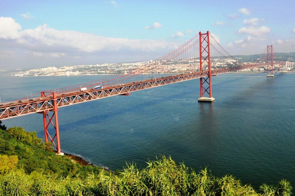 Мост 25-го апреля Португалия