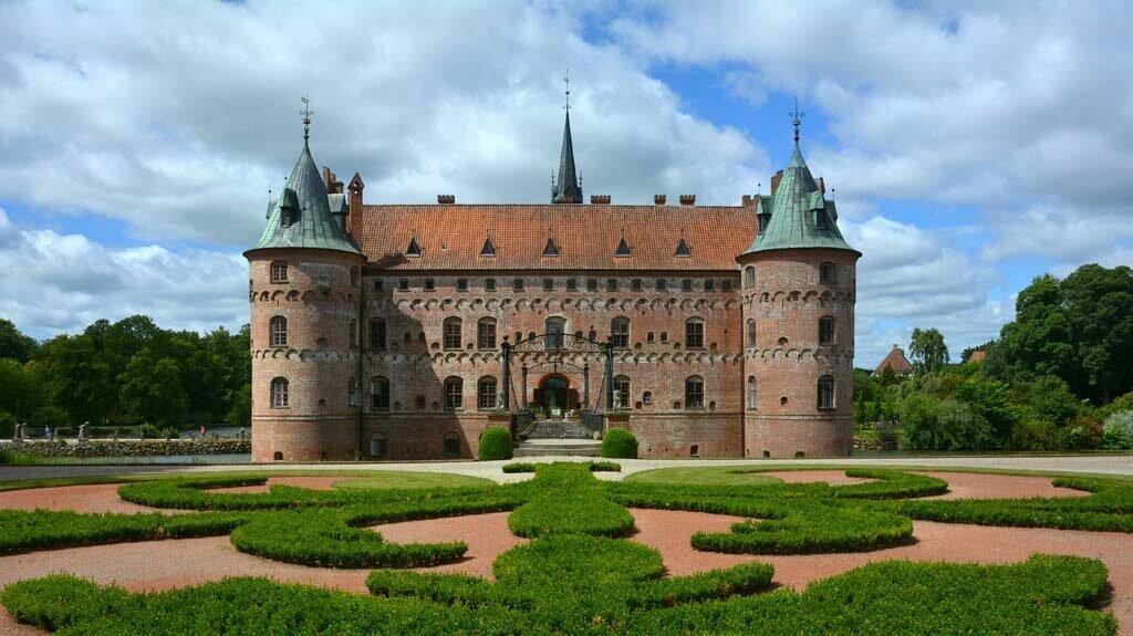 Замок Эгесков Дания