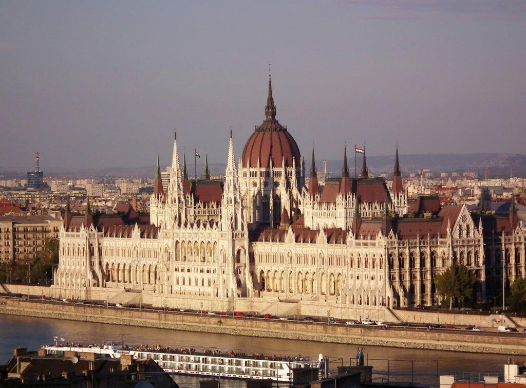 Венгерский парламент Венгрия
